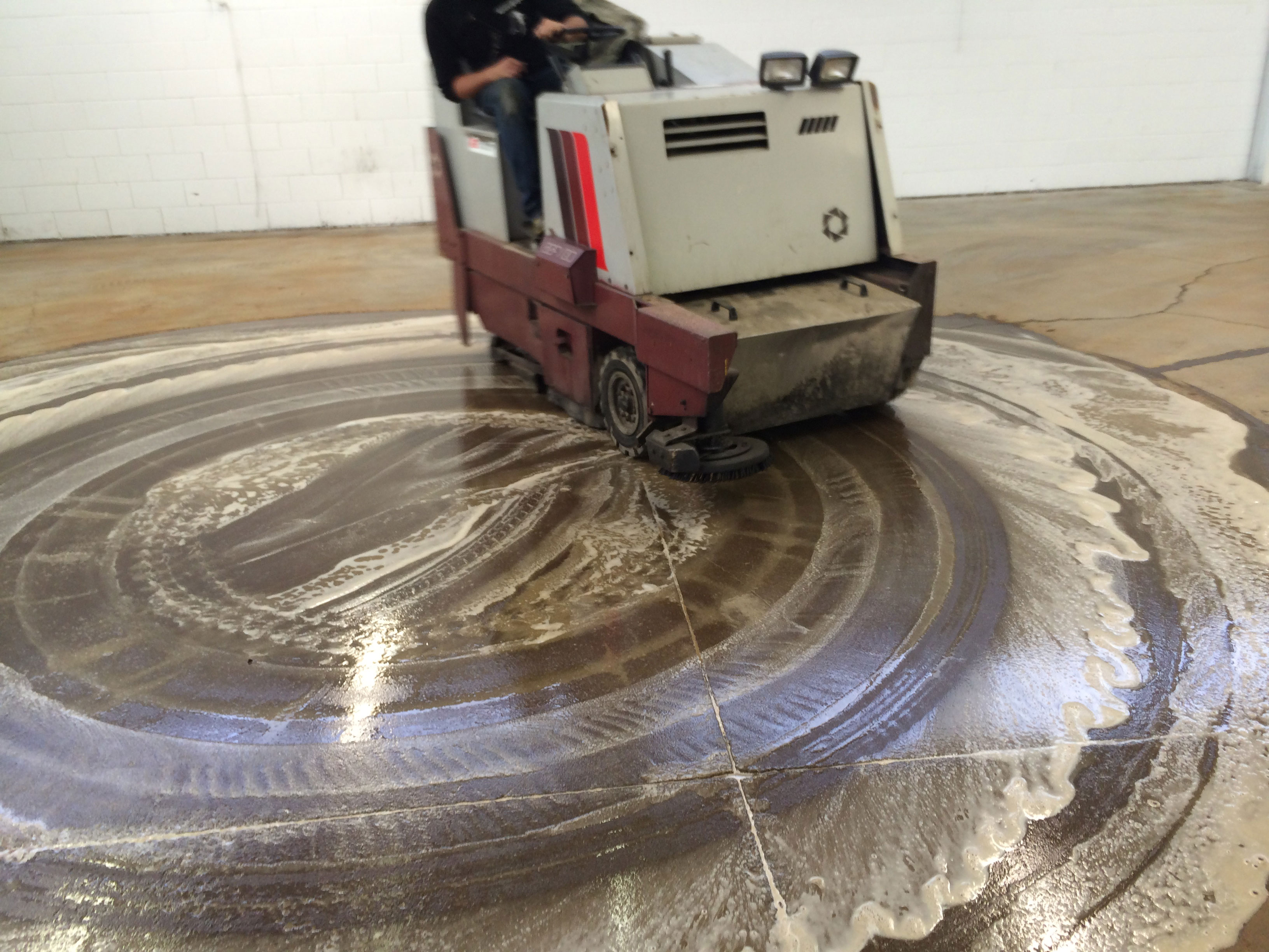 Epoxy flooring contractor and how to find a reliable one